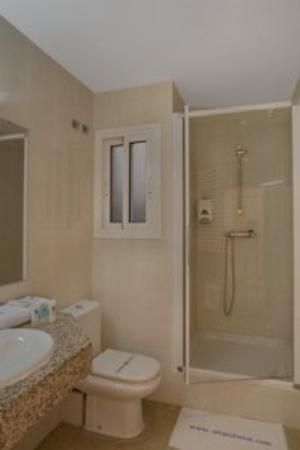 Central Normandie Hotel: Bathroom