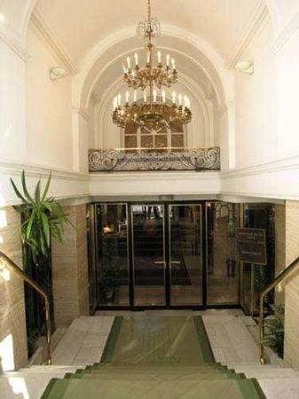Hotel Lasa: Door