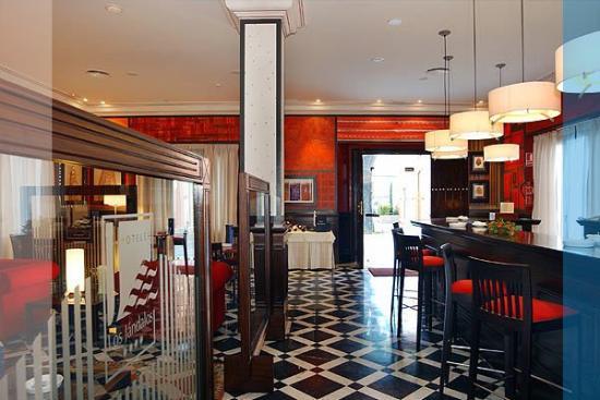 Hotel Los Jandalos Jerez: Bar