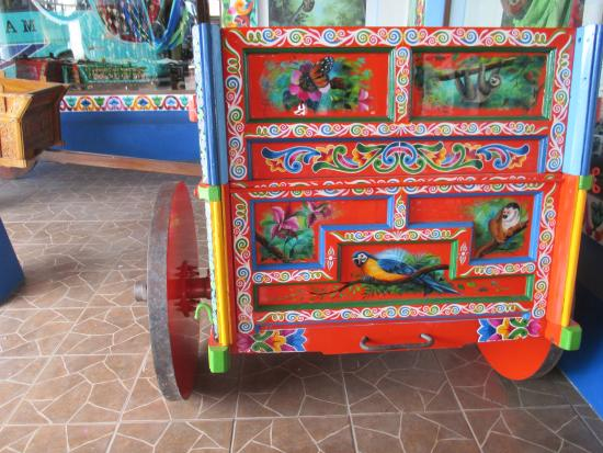 Artisans Cooperative Santa Elena and Monteverde: decorated ox cart