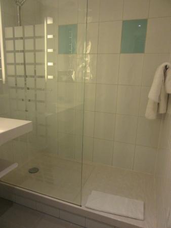 Novotel Liverpool: Bathroom