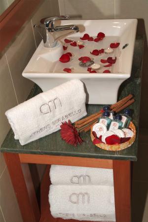 Mirabello Hotel: Bathroom