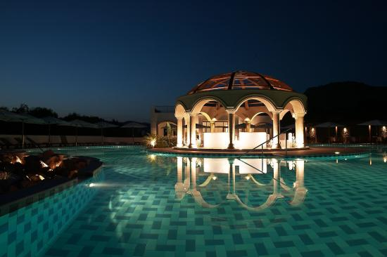 Lindian Village: Pool