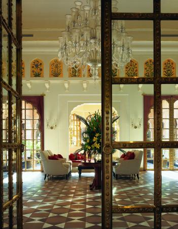 The Oberoi Rajvilas: Lobby view