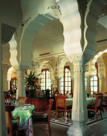 The Oberoi Rajvilas: Restaurant