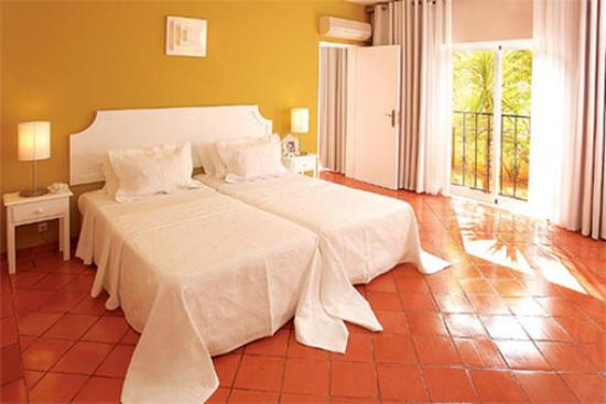 Costa D'oiro Ambiance Village: Guest Room