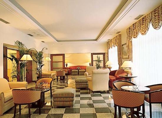 Hotel Metropole: Living Room