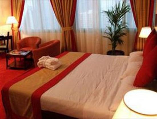Howard Johnson Hotel Abu Dhabi: Guest Room