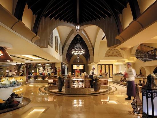 Shangri-La Hotel, Qaryat Al Beri, Abu Dhabi: Sofra Bld Restaurant