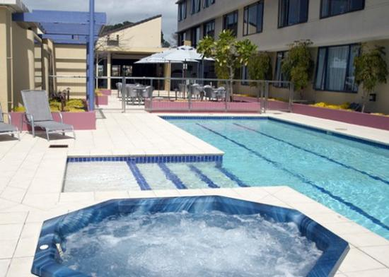 Quality Hotel Plymouth International: Plymouth Pool Amp Courtyard
