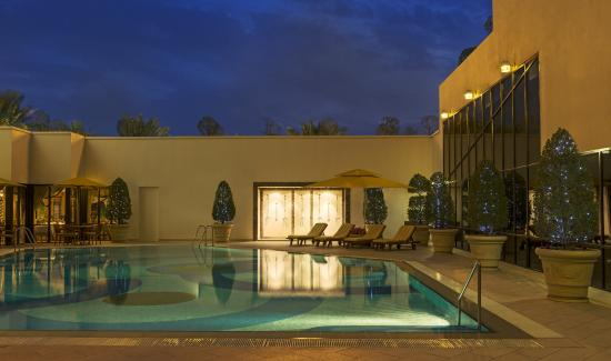 쉐라톤 쿠웨이트 호텔 & 타원