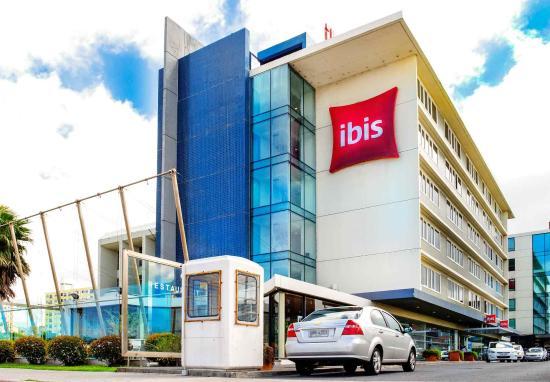 Ibis Montevideo: Exterior