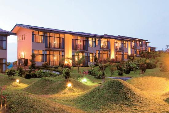 Arenal Kioro Suites & Spa: Exterior view