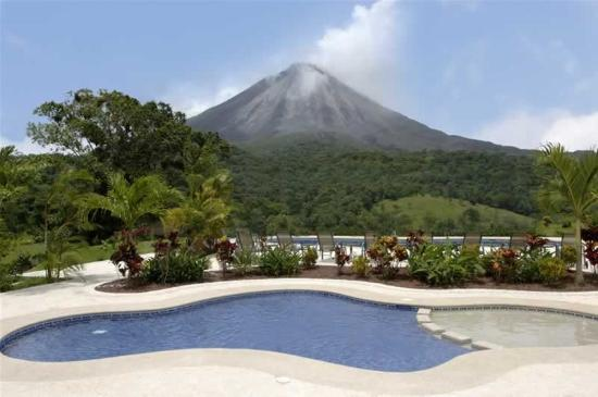 Arenal Kioro: Pool view