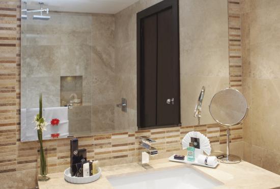 Sheraton Quito: Guest Bathroom