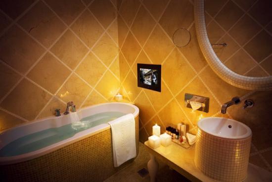 Hotel Telegraaf: Guest Bathroom