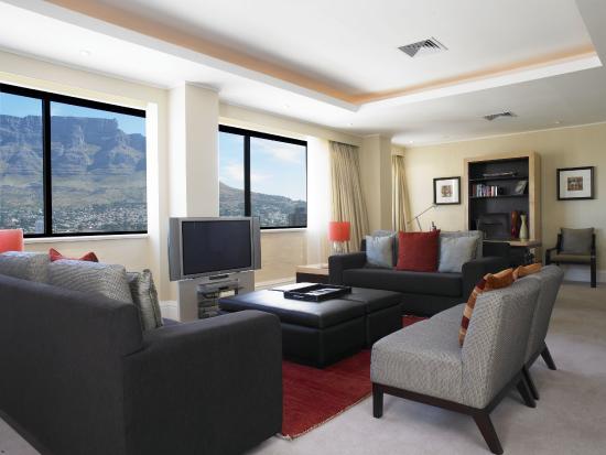 Southern Sun Cape Sun: Presidential Suite Livingroom