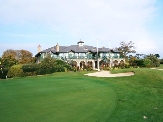 White Sands Hotel: Local Malahide Golf Club- 5 minutes away