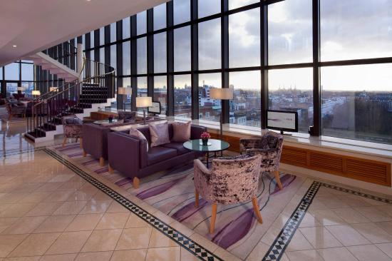 Jumeirah Carlton Tower: The Club Room Dining And Lounge