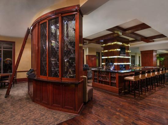 Las Palmeras, a Hilton Grand Vacations Club: Lobby Bar