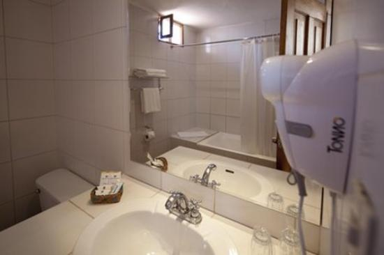San Agustin International Hotel: Bathroom