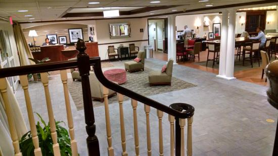 Hampton Inn and Suites Bethlehem : Lobby