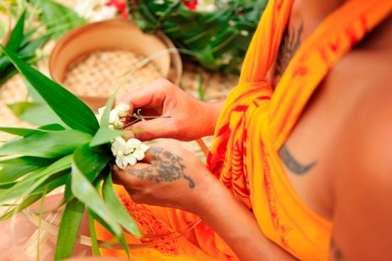Moorea, Polynésie française : Flower necklaces