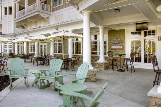 Watkins Glen Harbor Hotel Patio 2