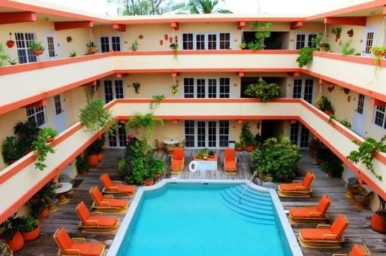 Banana Beach Resort: Courtyard