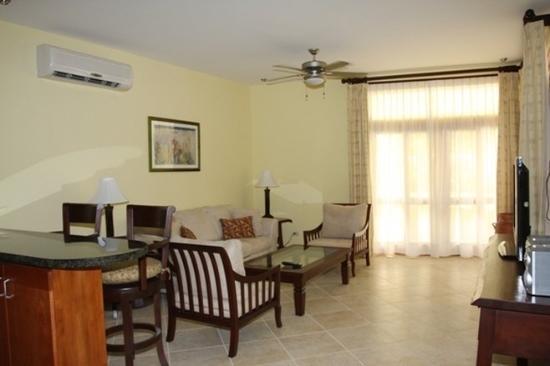 Club Del Cielo: Guest Room