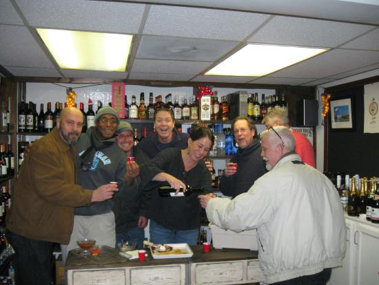 Tilghman Island Country Store: Friday@Five Wine Tasting!