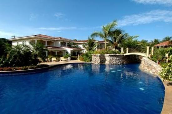Mayan Princess Beach & Dive Resort: Exterior