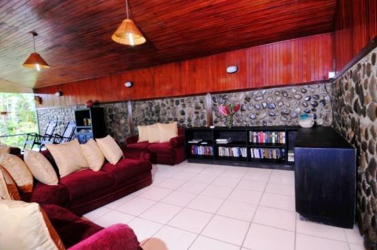 Hotel Mar de Luz: Library