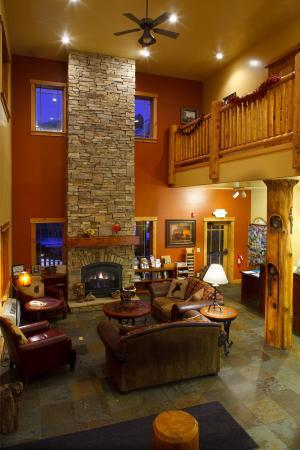 Cowboy Village Resort: Lobby