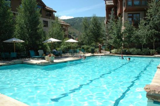 The Seasons Lodge at Arrowhead : Summer Pool