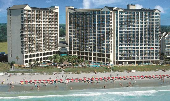 Beach Cove Resort: Beach Cove is located oceanfront in North Myrtle B