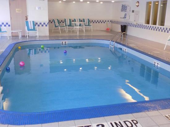 Fairfield Inn Duluth: enjoy our pool