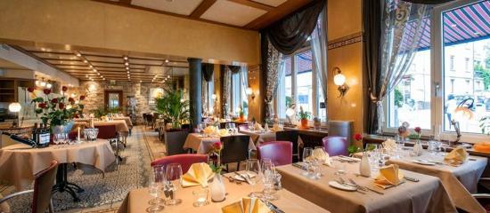 โฮเต็ล โครน อันเตอร์สทราซ: Restaurant