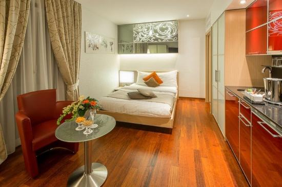 โฮเต็ล โครน อันเตอร์สทราซ: Single Room Luxury
