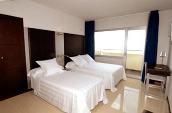 Hotel Excelsior: Guest Room