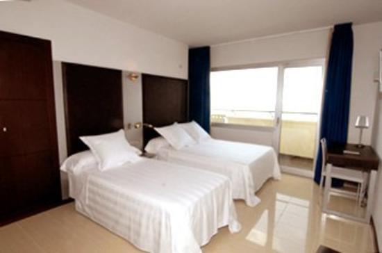 URH Hotel Excelsior: Guest Room