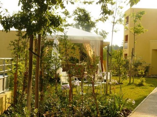 Villa Bellagio: Exterior View