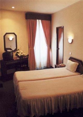 Residencial Aviz: Guest room
