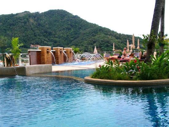 Peach Hill Hotel & Resort : Mango Pool