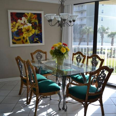 Seaside beach racquet club updated 2018 apartment for Beautiful dining area