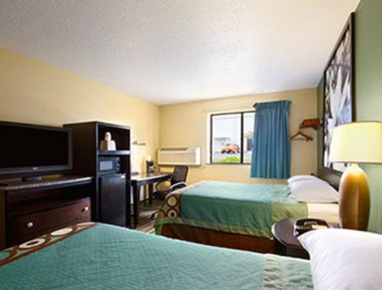Super 8 Huntsville Alabama: Standard Double Room