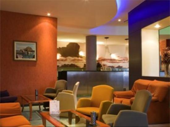 Hotel Moniz Sol: Lobby View