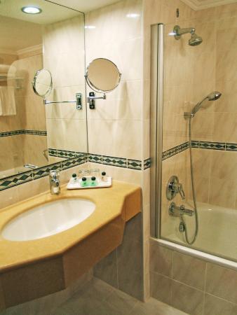 Grand Beach Hotel : Bathroom