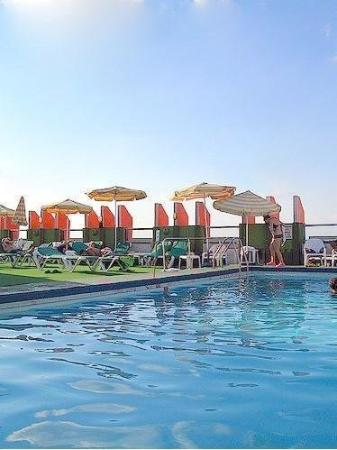 Grand Beach Hotel: Roof Top Pool