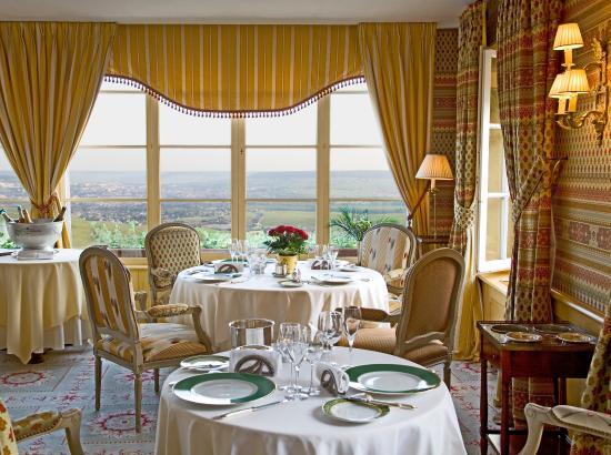 Royal Champagne Restaurant